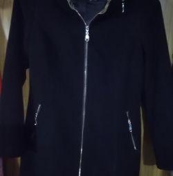 Demi-season black coat