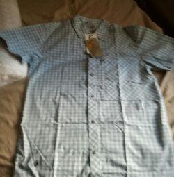 Yeni erkek gömleği