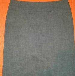 Πώληση φούστα της εταιρείας Mark Aurel