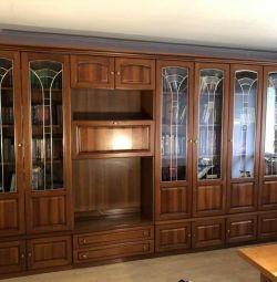 Продам Итальянский шкаф из массива дерева