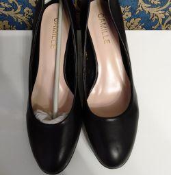 Pantofi clasici noi