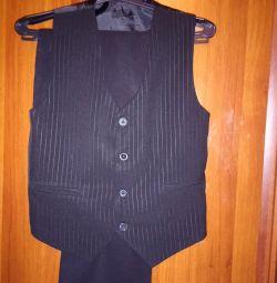 Κοστούμι για έναν έφηβο 11-14 ετών με την ανάπτυξη των 152-164
