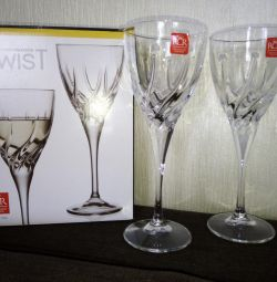 White Wine Glasses Twist