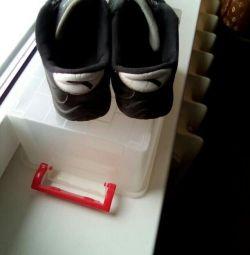 Μαύρα πάνινα παπούτσια35ρ-ρ ανά βάρδια