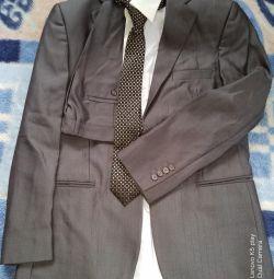 Костюм мужской, рубашка, галстук