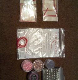 spangles on the nails + gift (when buying)