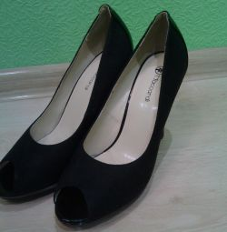Pantofi noi 39 de dimensiuni