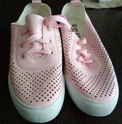 Νέα αθλητικά παπούτσια 38r-p
