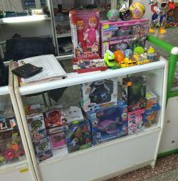 Продам отдел(бижутерия,наливные духи,игрушки)