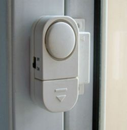 Wireless alarm for windows and doors