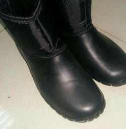 New warm rubber boots