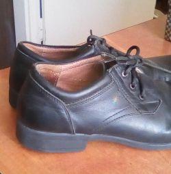 Pantofi din piele 36r.