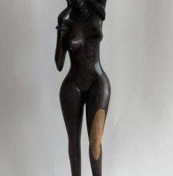 Статуэтка африканской девушки из эбенового дерева