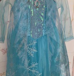 Το φόρεμα της Elsa H & M