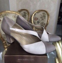 Women's shoes Audley (England)