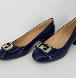 Women's shoes NEW natural varnish