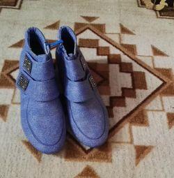 Ботинки новые 39-40р