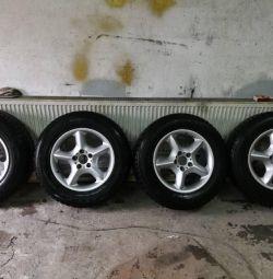Зимние шины на дисках R17