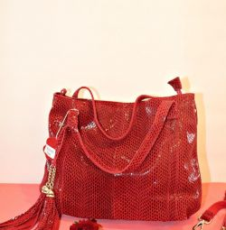 Нова шкіряна сумка червона