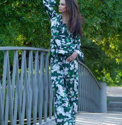 Костюм в пижамном стиле D&G зелeный в цветах
