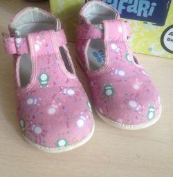 Туфли для девочки 22