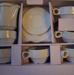 Set on 6 pers. for coffee + kettle. Ceramics.