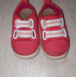 Sneakers 22 p.
