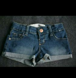 Shorts for 2-3 years 98cm height. Ideal condition.