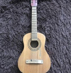 6 string guitar, small
