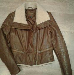 Женская кожаная куртка Mango 44рр