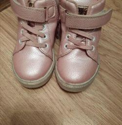 Κομψά παπούτσια για την άνοιξη
