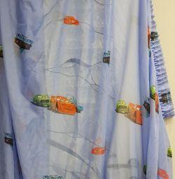 Κουρτίνα στο παιδικό δωμάτιο για ένα αγόρι.