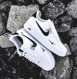 Nike Air Force LV O7