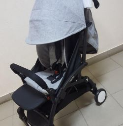 Stroller Wow rental with a footboard
