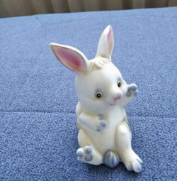 Bunny. Ceramics.