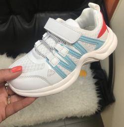 Θα πωλούν αθλητικά παπούτσια