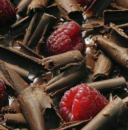 Κέικ χαμηλής θερμιδικής αξίας, σοκολάτα και σμέουρα