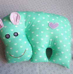 Hippo Yastık