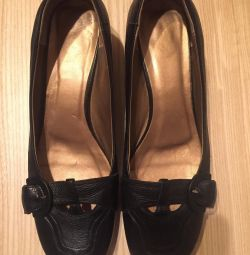 Pantofi pentru femei din piele autentică