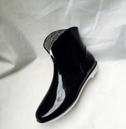 Νέες μπότες από καουτσούκ 41