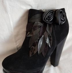 pantofi noi pentru femei de dimensiuni 36,37.