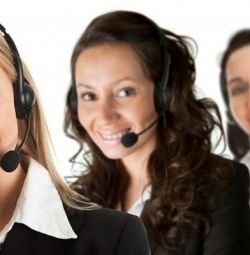 Müşteri hizmetleri departmanında çalışan