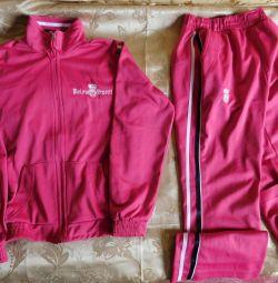 Costum de sport roz pentru fată