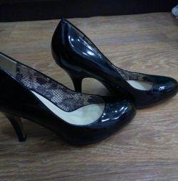 Б / у туфлі