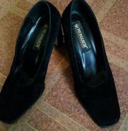 Ayakkabı (kadife)