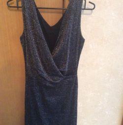 Νέο ιταλικό φόρεμα στην επένδυση, μοντέλο 2010