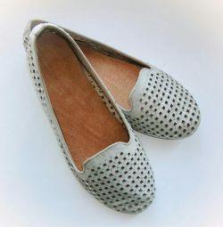 Pantofi cu pietre de stras