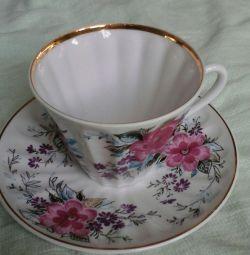 Porselen bardak ve tabak