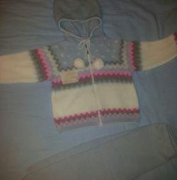 Вязаный костюм (новый)