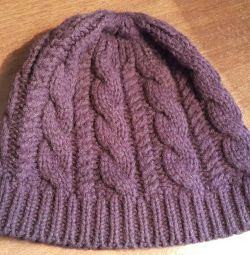 Зимова вовняна шапка